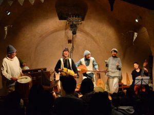 玉川上水のほとりで古楽器の音色。ロバハウスで過ごすいつもと違うクリスマス
