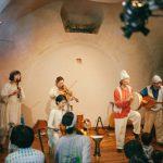 立川ゆかりの「ロバの音楽座」とジャズピアニスト山下洋輔さんが地元でのコンサート共演。共演のきっかけは?ロバの音楽座の拠点「ロバハウス」へ。