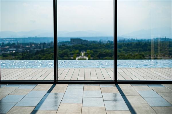 最上階エレベータホールからの眺め