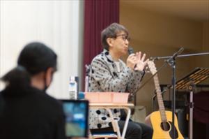 立川の小学校レポート/立川第六小学校卒業生のTM NETWORK木根さんと6年生が作る70周年記念ソングが完成!