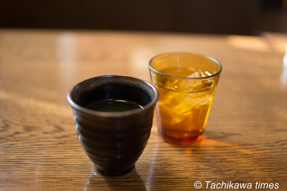 福来軒お茶と水