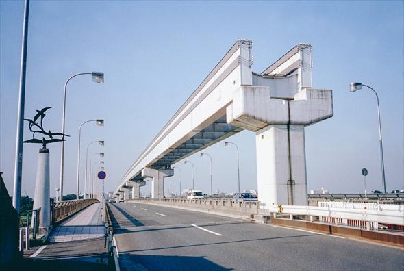 old_tachikawa1998年立日橋モノレール建設中
